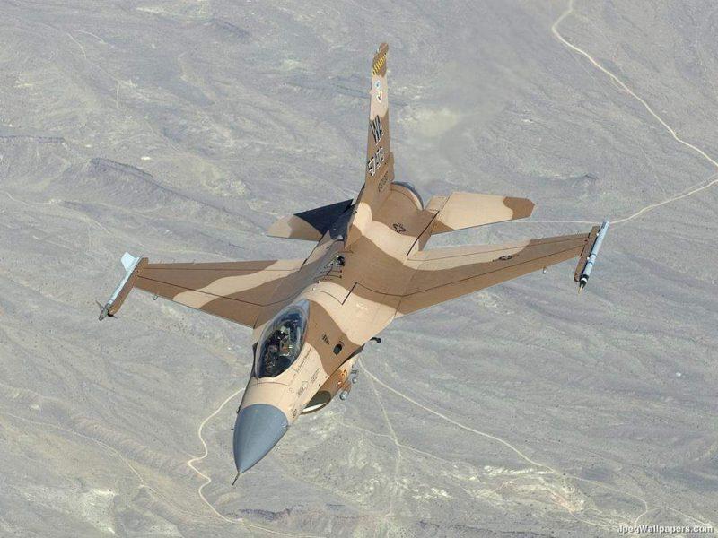 F16 Falcon 494263