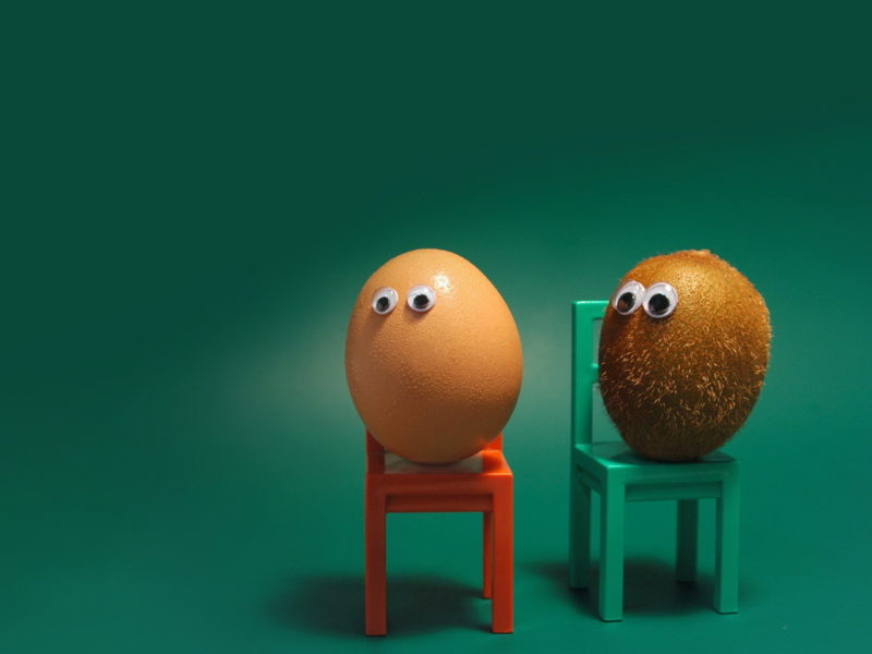 Funny Wallpapers Egg On A Stool 095406