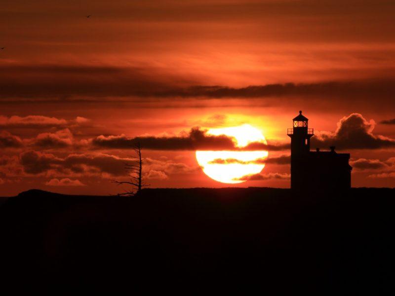 Lighthouse Sunset 1600×900