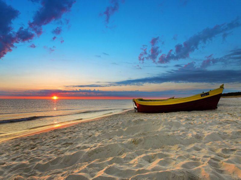 White Sandy Beach 4k